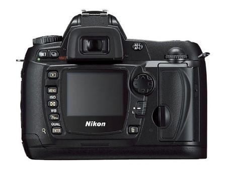 图为:尼康数码单反相机D70s-跌破8000元 尼康D70s套机终于降价