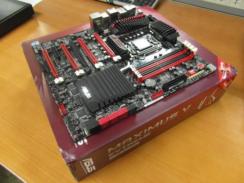 极致超频利器华硕ROG玩家国度M5E售4999元