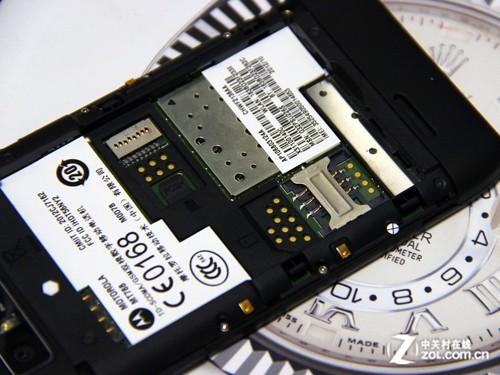 单核2GHz!英特尔CPU摩托罗拉MT788图赏
