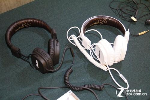 音响展2012:雅登展台展示Marshall耳机