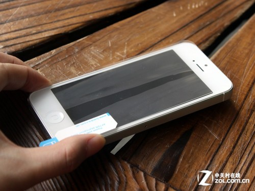 iPhone5自动修复贴膜 邦克仕Magic RR评测
