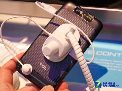 TCL两款新机S850 S900同台亮相CES 2013