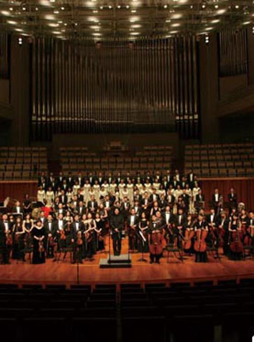 现在进入试听环节:   《欢乐颂》主旋律进场由大提琴和低音提琴演奏的