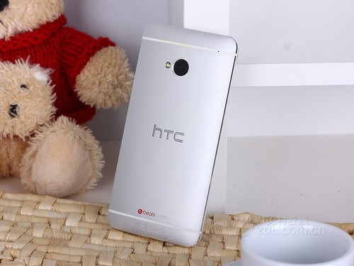 双卡四核赠好礼 移动版HTC One京东首发