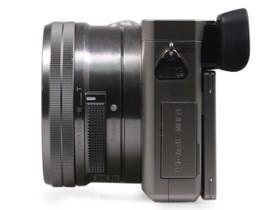 索尼ILCE-6000右侧