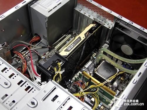 台式机 正文    这款产品的侧盖拆卸较为便利