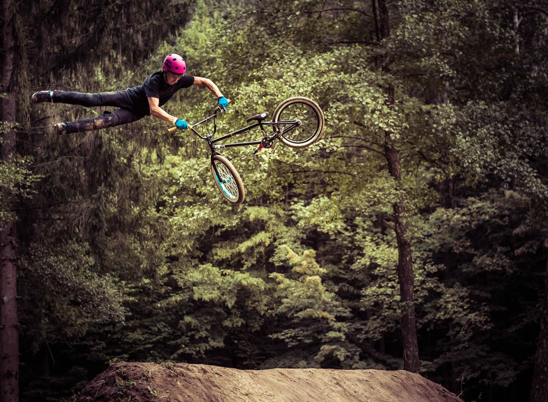 低碳环保,亲近自然 自行车运动摄影作品