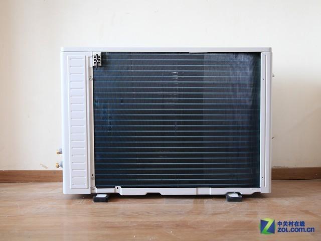采用了开放式设计,并提供了温度感应探头,了解空调室外机的工作状态.