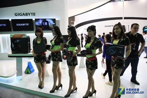 真正送福利 看台北电脑展的Showgirl们