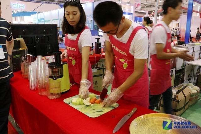 青岛CES消费电子展 惠人带来全系榨汁机