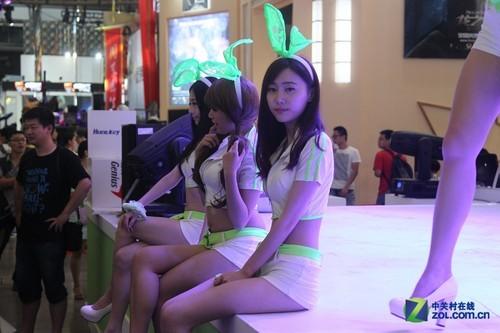 告别ChinaJoy2014 游戏展台美女随手拍