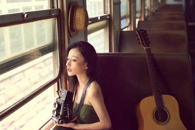 韩语吉他老胶片一组人像感十足的数码_美女影美女相机版与狼图片