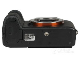 索尼A7 II底部