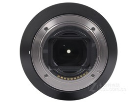 索尼FE 24-240mm f/3.5-6.3 OSS底部