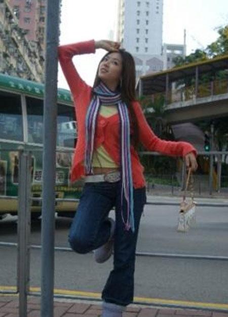 低胸衣超短裙 手机拍摄的韩国清纯美女