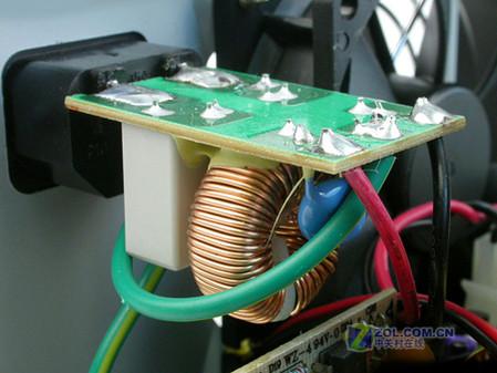 防止电源开关电路形成的高频扰窜电网.