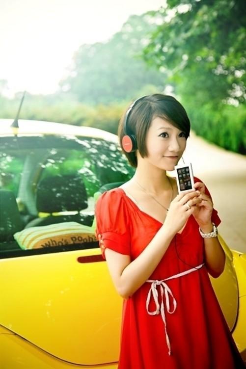 mp3 正文  美女模特之青春时尚风 pk对象:oppo pk酷比魔方.