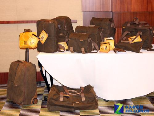 国家地理发布全新非洲摄影包系列产品