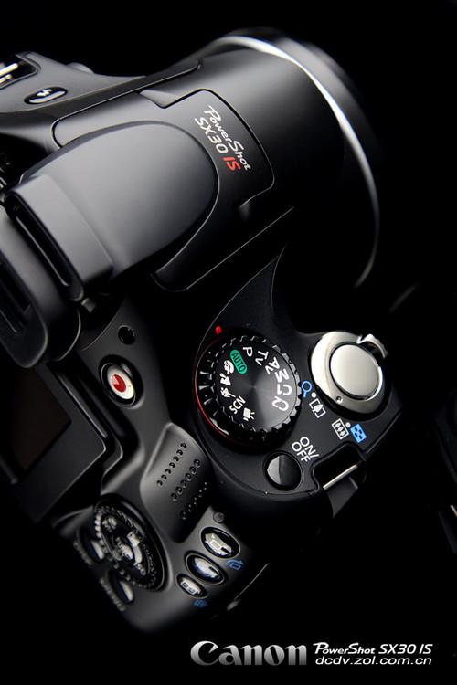 35倍长焦+24mm广角 佳能SX30评测首发
