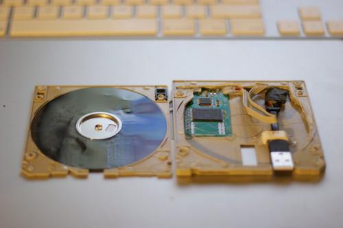 记得曾经的3.5寸 看玩家DIY软盘版U盘