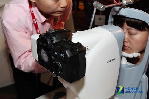 出奇相似外观的眼底照相机-佳能EXPO2011 医疗版50D一切尽收眼底