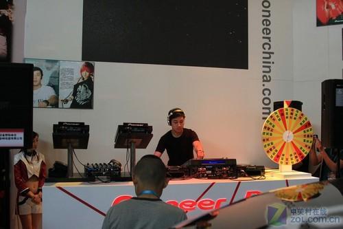 DJ现场演绎 先锋Pioneer亮相PALM2011