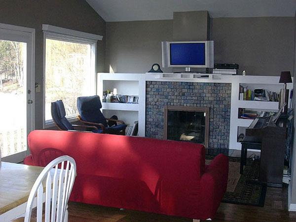 西方没有暖气,冬天也不靠空调来取暖,通常客厅中设计一个大壁挂炉,这就成了西方客厅的标志性特点。壁挂炉具有强大的家庭中央供暖功能,能满足多居室的采暖需求,各个房间能够根据需求随意设定舒适温度,也可根据需要决定某个房间单独关闭供暖,并且能够提供大流量恒温卫生热水,供家庭沐浴、厨房等场所使用。