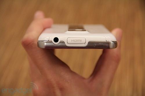 """手机""""白色污染"""" lg optimus 2x纯色欣赏 原创"""
