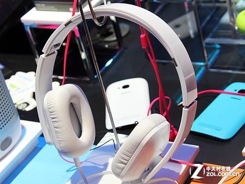 蓝牙耳机+音响 诺基亚展台手机配件图赏
