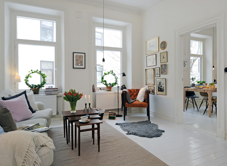 北欧风格讲究简洁、现代,以清浅的色彩为代表,整体舒适自然,同现代简约风格有着极大的相似,成为了如今装修中最受时尚年轻人欢迎的风格之一,颇受现在年轻人的喜爱。虽然国内的室内装修参考的价值并不算太高,但还是令人赏心悦目的,大的范围改变不了,但室内装饰细节部分还是可以模仿的。 收起