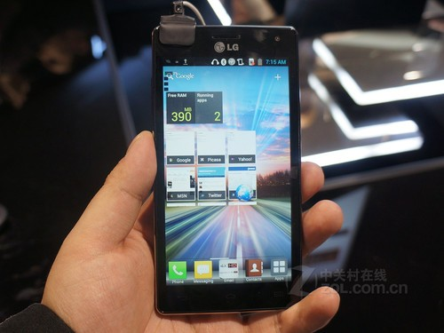 完美屏降临 LG Optimus 4X HD仅报2999