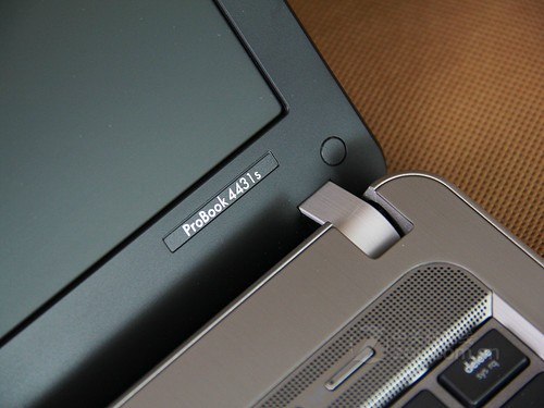 "ProBook 4431s 为中小企业""减法降负"""