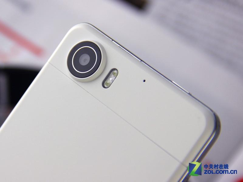 /slide/318/3188712_1.html mobile.zol.com.cn true 中关村在线 http://mobile.zol.com.cn/318/3188712.html report 281 OPPO Finder的横空出世,再度刷新机身纤薄的新纪录,它以6.65毫米的至薄机身成为了世界上最薄的智能手机,没有之一。这样一项世界纪录由中国厂商所创造更是实属不易,我们值得一起为OPPO鼓鼓掌。在热潮还没有退去之时OPPO Finder的白色版本也已经推出了,今天就让我们一起来.
