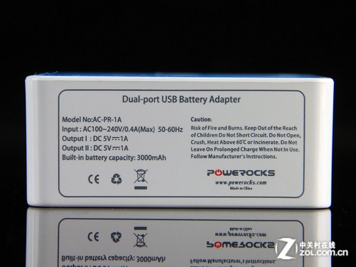 而内置充电器则使用较为实用的100v-240v宽幅输入设计,对于那些经常
