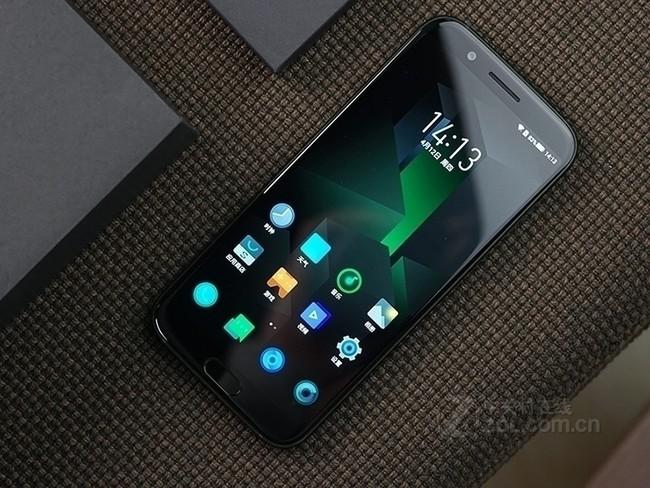 黑鲨游戏手机 新品首发 生为竞技