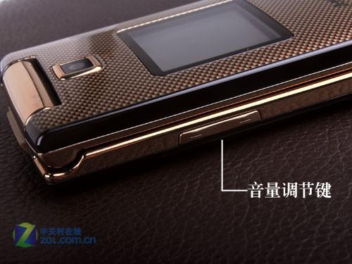 时尚奢华3G翻盖设计 三星S6888真机图赏